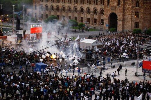 Armenia: wybuch podczas wiecu wyborczego