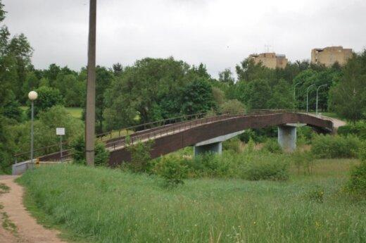 Iš rajono į darbą – per avarinės būklės tiltą