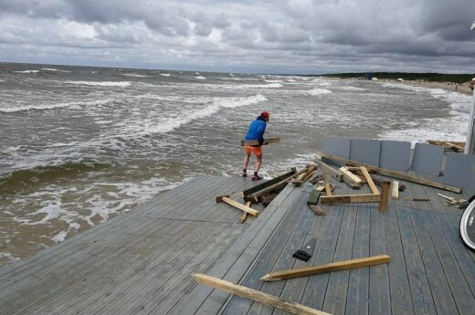 Palangos paplūdimiuose – avarinė situacija