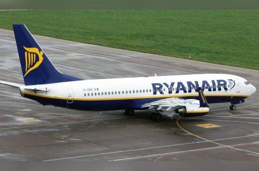 Разгул стихии: самолеты Ryanair вместо Риги направляют в Каунас