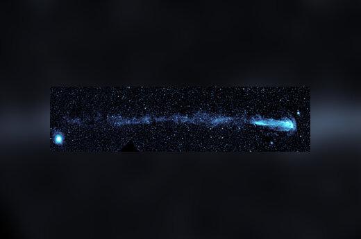 Žvaigždė Mira su uodega