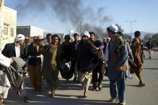 Afganistane per protestus prieš Korano deginimą nužudyti septyni JT darbuotojai