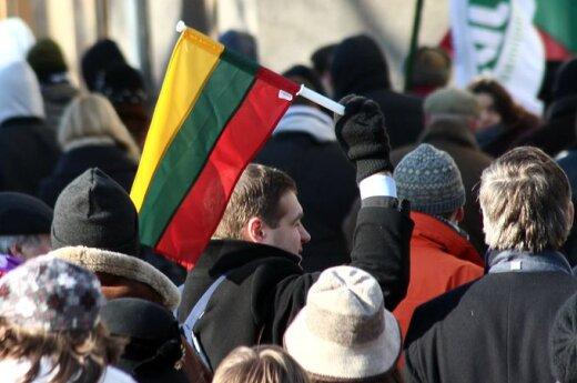 Lietuviška praktika: valstybės paramą dalijasi visuomenininkais apsimetantis partinis jaunimas