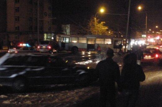 В понедельник вечером из-за гололедицы на улицах Вильнюса царил хаос