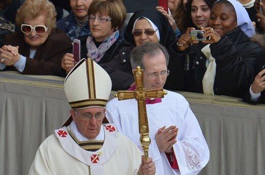 Папа Франциск впервые обратился на Пасху к Городу и миру