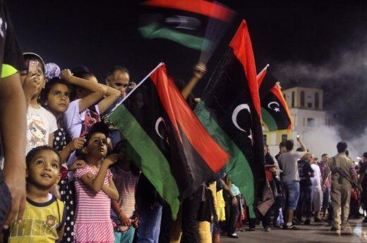 Libijos valdančioji taryba perdavė valdžią naujam parlamentui