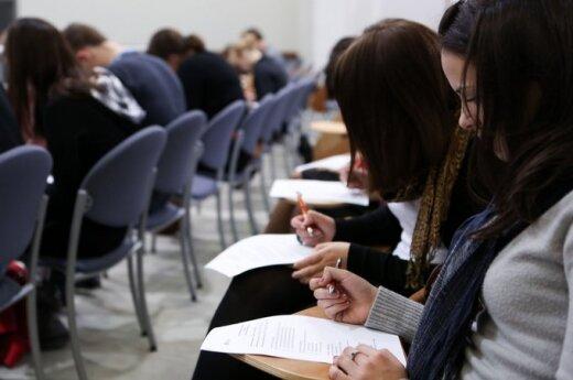 Į antrąjį Konstitucijos egzamino etapą pateko daugiau negu 700 dalyvių