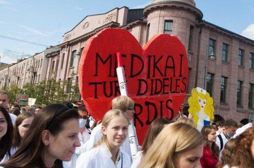 Kolorowy studencki pochód przeszedł ulicami Wilna