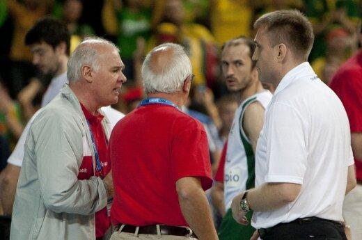 M.Palma (kairėje) K.Kemzūrai priekaištus reiškė ir po rungtynių