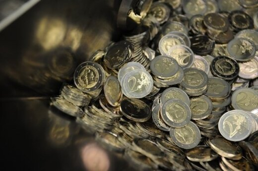 First shipment of Lithuanian euro coins delivered to central bank's vaults