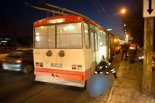Трагедия в Вильнюсе: под колесами троллейбуса погиб молодой мужчина