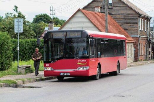 Kaune nurinkinėjami autobusų stotelių paviljonai