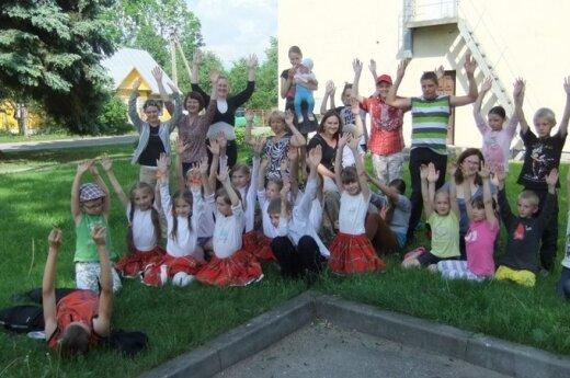 Valkininkuose buvo švenčiama Vaikų gynimo diena