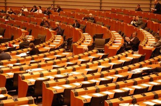 EP imasi nepilnamečių apsaugos įstatymo: Lietuvos atstovai diskriminacijos jame neįžvelgia