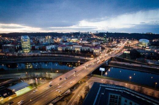 Situacija Lietuvos keliuose prieš 10 metų ir dabar: kas pasikeitė