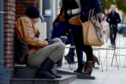 Жителей Вильнюса призывают сообщать о получающих нелегальные доходы соседей