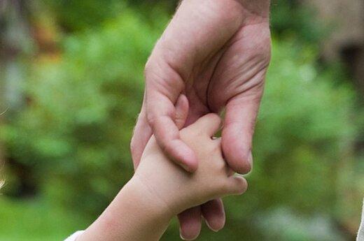 Специалисты: детей нельзя отдавать незнакомым людям, пьяным родителям и несовершеннолетним