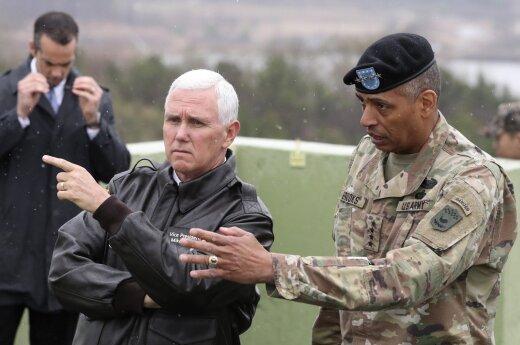 Mike'as Pence'as lankėsi Pietų Korėjoje