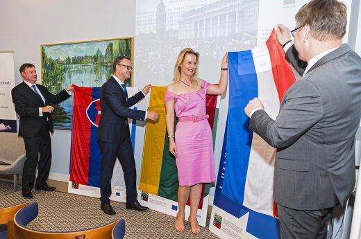 FLTR,Ambassador Peter Hatiar, Political Director Rolandas Kačinskas, Žaneta Fomova and Ambassador, Bert van der Lingen  36 Photo © Ludo Segers @ The Lithuania Tribune