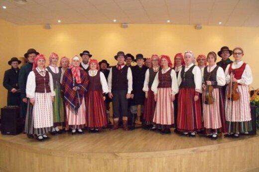 """Plungės Kultūros centro folkloro ansamblio """"Gondinga"""" švenčia jubiliejų"""