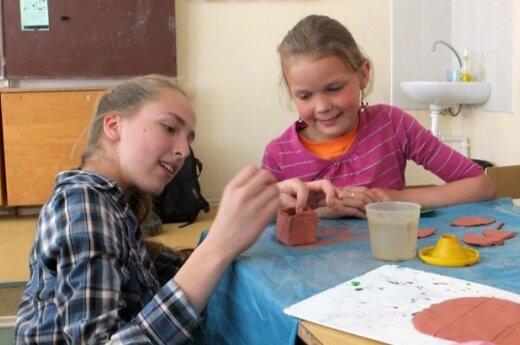 Ukmergės jaunimas kuria visiems draugišką mokyklą