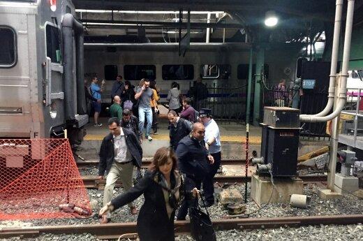 В Нью-Джерси поезд врезался в здание вокзала: один человек погиб, более 100 ранены