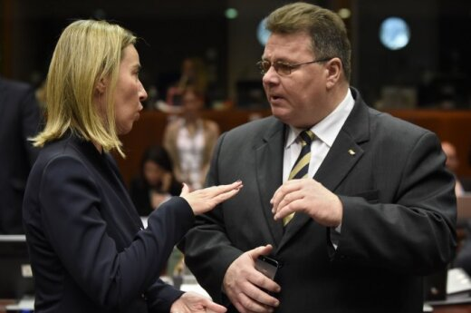 EU diplomacy chief Federica Mogherini and Lithuanian Foreign Minister Linas Linkevičius