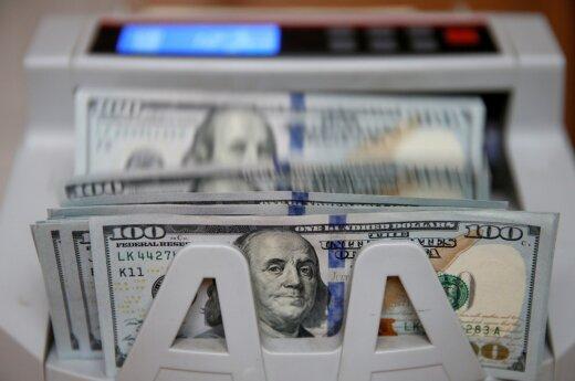 Po JAV federalinio atsargų banko pranešimo savaitę doleris baigs nukritęs