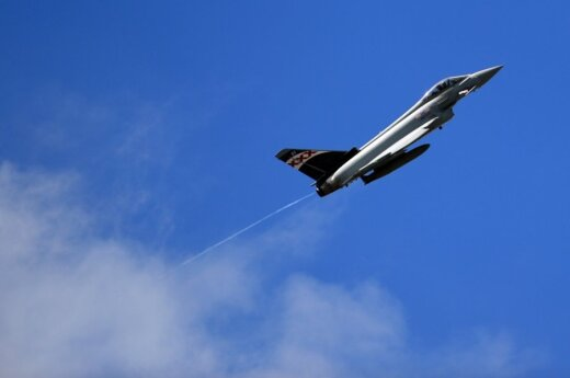 NATO fighter-jets alerted from Šiauliai to accompany Russian reconnaissance plane