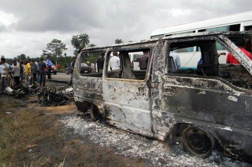 Nigerijoje sprogo benzinvežis
