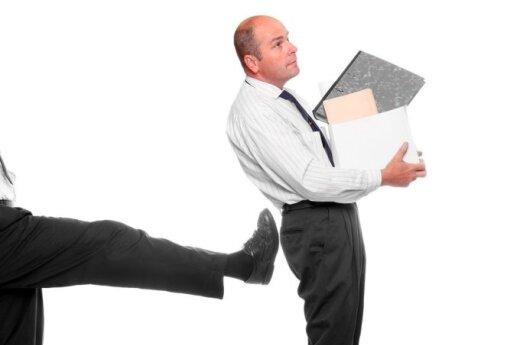 """<font color=""""#6699CC""""><strong>Klausk teisininko:</strong></font> kaip turėčiau elgtis, jei mane nutarė atleisti iš darbo?"""