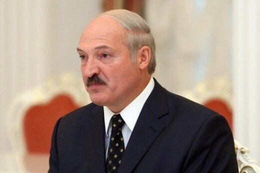 Лукашенко: Россия должна бесплатно вооружать Беларусь