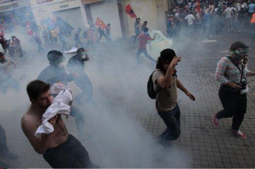 Protestai Turkijoje: tiksinti bomba sprogo?