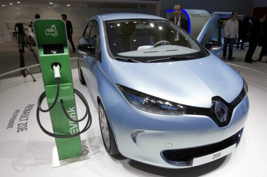 Электрокар Renault проехал 1618 километров за 24 часа