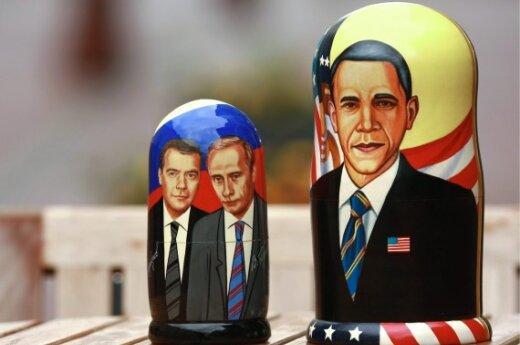Matrioškos su V.Putino ir D.Medvedevo ir B. Obamos atvaizdais