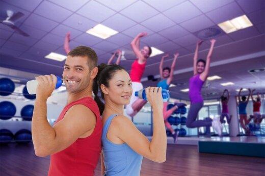Energinga Zumba treniruotė visiems kūno raumenims stiprinti