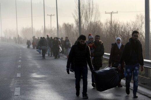 ES džiaugiasi pirmais žingsniais suvaldant pabėgėlių krizę