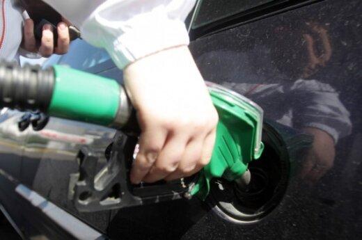 Бензин на оптовом рынке за два дня подорожал на 12 центов за литр