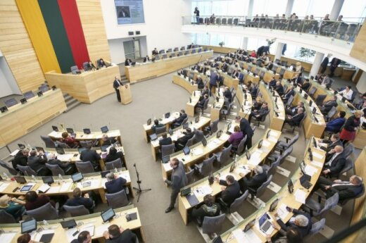 Lithuanian parliament to return to name-spelling issue in May