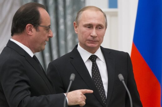 French President Francois Hollande and Russia's Vladimir Putin