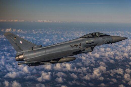 Истребители НАТО девять раз сопроводили российские военные самолеты