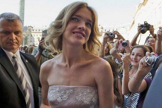 Водянова вошла в тройку самых богатых моделей мира