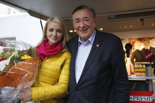 R. Lugneris su jauna žmona