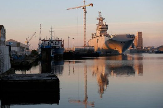 EU entertains idea to buy out Mistral warships from France
