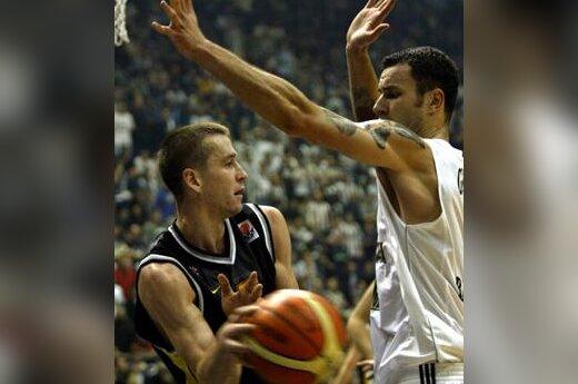 "Tomas Masiulis (Sopoto ""Prokom Trefl"") vs. Milan Gurovič (Belgrado ""Partizan"")"