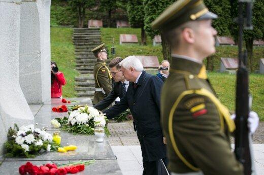 Дипломаты, литовские военные и политики почтили память погибших в ВМВ