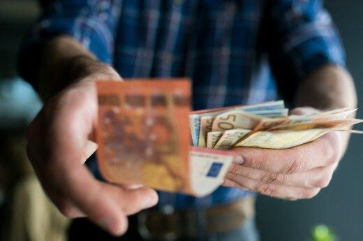 Siūlo sumažinti mokesčius du ir daugiau vaikų auginančioms šeimoms