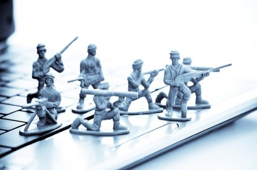 Prijaučiantieji V. Putinui šėlsta internete