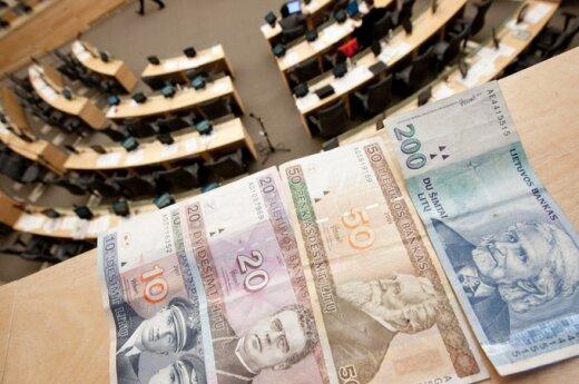 """Nuo rugsėjo 1 d. dirbantiems valstybinių pensijų gavėjams grąžinamos """"apkarpytos"""" pensijos"""