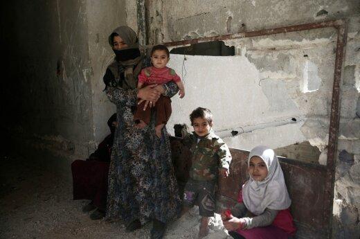 Sirijoje iš apsupto miesto netoli Damasko pasitraukė 620 sukilėlių